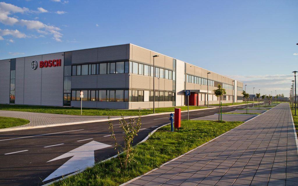 5 миллионов чисты лобовых: завод Bosch в Сербии в 2015 году выпустил 5 млн щеток стеклоочистителей